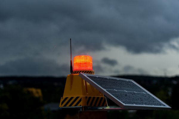 solar aircraft warning lights