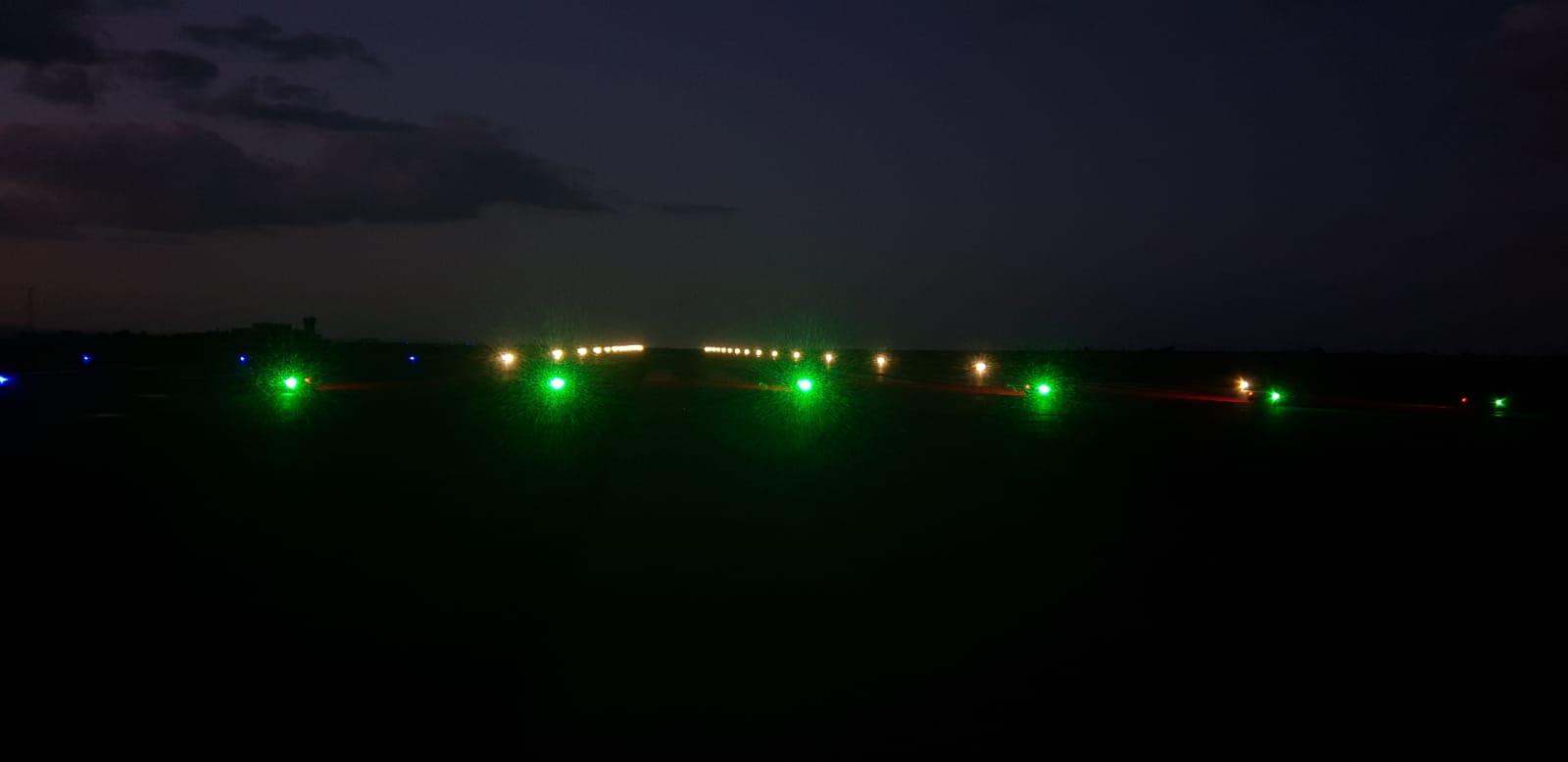 Solar Runway Threshold End Light Operates 365 Days On
