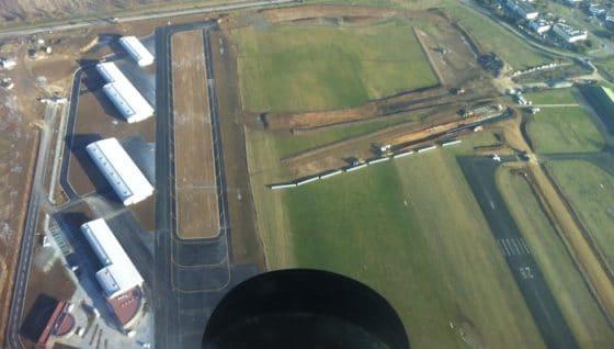 Chratres-vue-aerienne-hangars-560x318