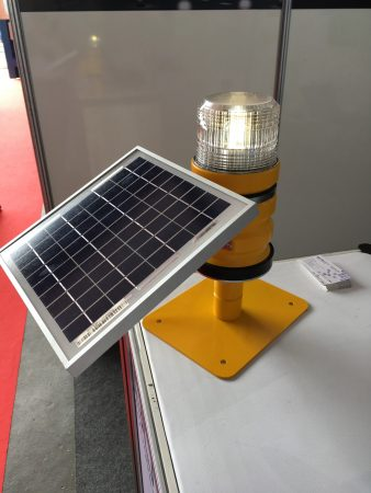 solar portable runway light