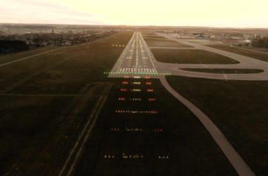 Precision approach runway lights