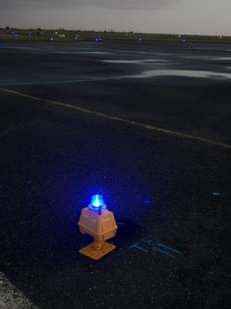 SP-401 Portable Taxiway light