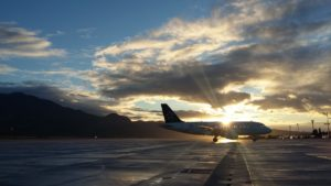 What is green airport and how can airports reduce its environmental impact